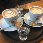 "Thema, 9 januari 2017, thema ""Sfeer""door Huug, titel ""Duo Cappuccino"""